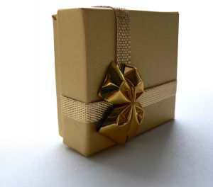 Simple Gift Wrap Solution