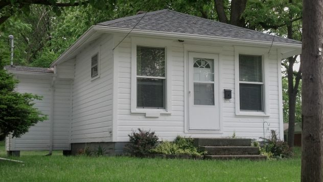 tiny house for sale in Jacksonville IL