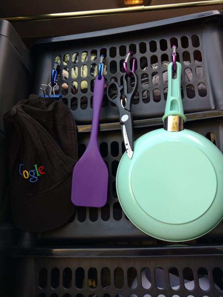 The Van Kitchen: Utensils for cooking in a van