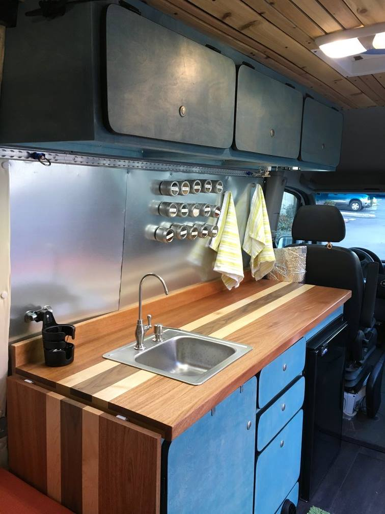 #vanning kitchen
